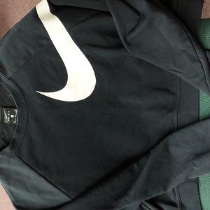 EUC Black and White Nike Sweatshirt size XL